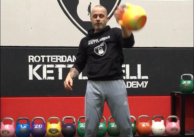 Thuis de basics trainen met Kettlebells
